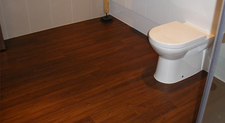 Wood effect vinyl flooring in Cobham