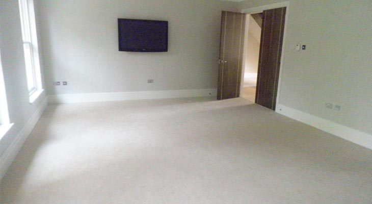 Twist pile carpet fitted in master bedroom