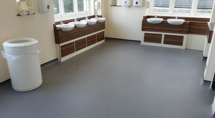 Ladies safety vinyl toilet flooring in Ascot